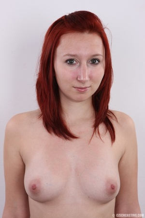Young redhead looking extra inviting nud - XXX Dessert - Picture 11