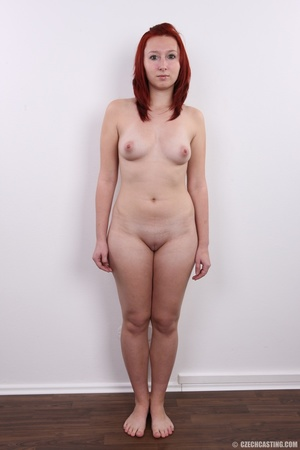 Young redhead looking extra inviting nud - XXX Dessert - Picture 14