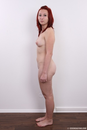 Young redhead looking extra inviting nud - XXX Dessert - Picture 15