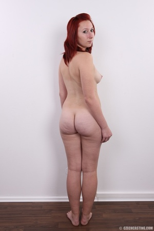Young redhead looking extra inviting nud - XXX Dessert - Picture 17