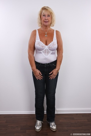 Matured chubby blonde still looking hot  - Picture 4