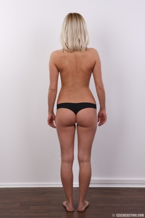 Tall and seductive blonde with firm tits - XXX Dessert - Picture 9