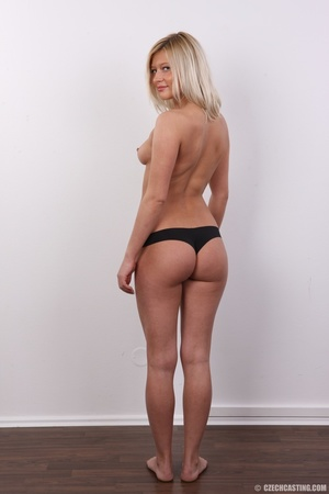 Tall and seductive blonde with firm tits - XXX Dessert - Picture 10