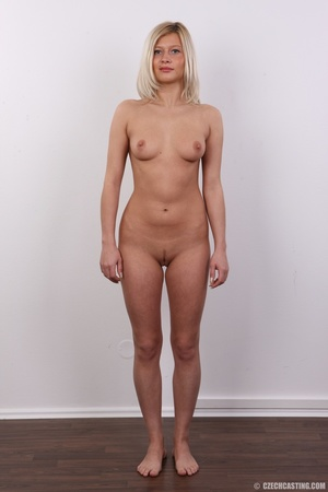Tall and seductive blonde with firm tits - XXX Dessert - Picture 14