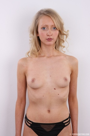 Barbie look alike blonde shows sexy shap - XXX Dessert - Picture 19