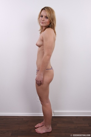 Sexy golden blonde with cool looks and s - XXX Dessert - Picture 8