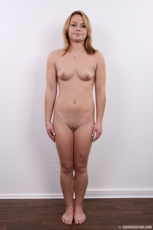Sexy golden blonde with cool looks and s - XXX Dessert - Picture 13