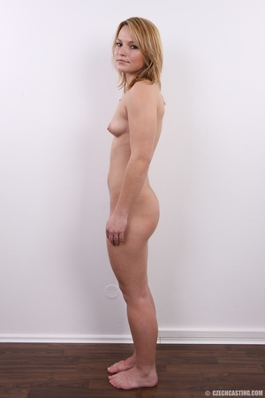 Sexy golden blonde with cool looks and s - XXX Dessert - Picture 14