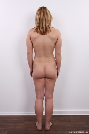 Sexy golden blonde with cool looks and s - XXX Dessert - Picture 15