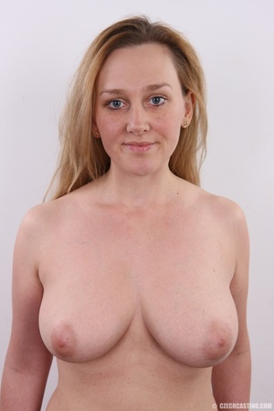 Young and pretty gold blonde with hot bi - XXX Dessert - Picture 16