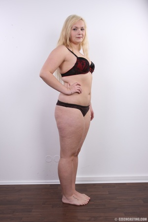 Chubby cute faced blonde shows big sexy  - XXX Dessert - Picture 8
