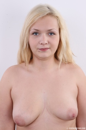 Chubby cute faced blonde shows big sexy  - XXX Dessert - Picture 11