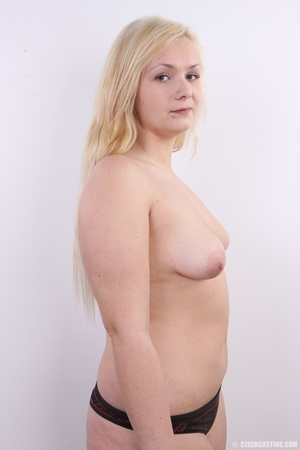 Chubby cute faced blonde shows big sexy  - XXX Dessert - Picture 14