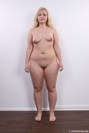 Chubby cute faced blonde shows big sexy  - XXX Dessert - Picture 16