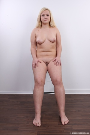Chubby cute faced blonde shows big sexy  - XXX Dessert - Picture 19