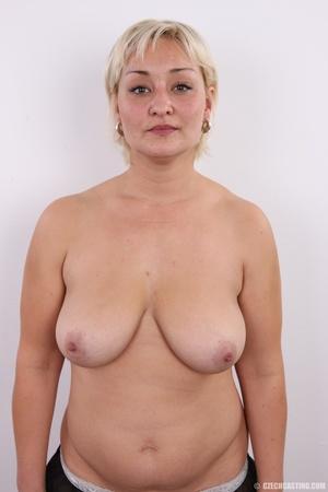 Short hair chubby matured blonde with bi - XXX Dessert - Picture 11