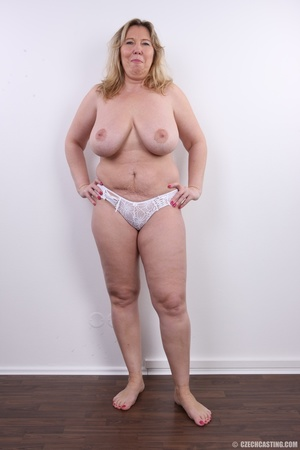 Horny and slutty blonde mama with super  - XXX Dessert - Picture 11