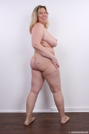 Horny and slutty blonde mama with super  - XXX Dessert - Picture 17
