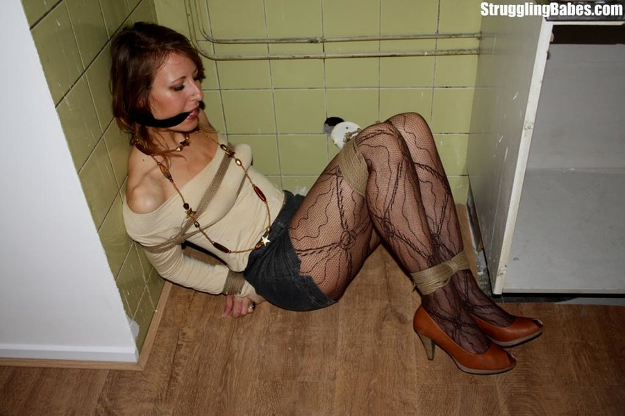 Slutty girlfriend is cleave gagged and forg - XXX Dessert - Picture 7