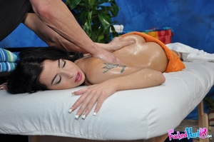 Cute hottie is lured into sex by kinky m - XXX Dessert - Picture 6