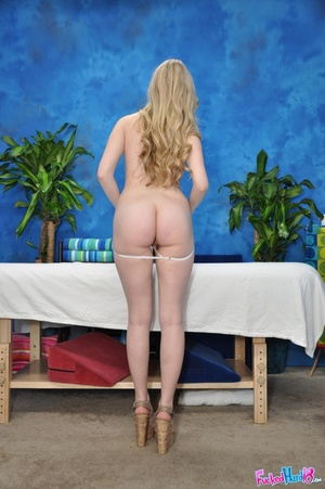 Marble skin beauty relaxes before being  - XXX Dessert - Picture 4
