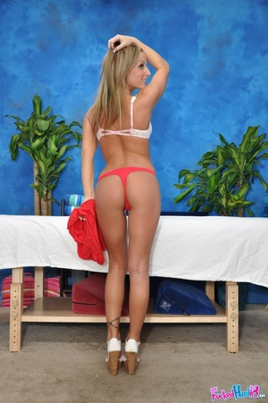 Massage makes tiny blonde chick hungry f - XXX Dessert - Picture 4