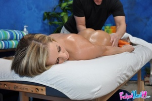Massage makes tiny blonde chick hungry f - XXX Dessert - Picture 6