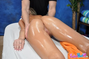 Massage makes tiny blonde chick hungry f - XXX Dessert - Picture 7
