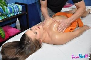 Sexy butt Abby wants a big cock inside h - XXX Dessert - Picture 8