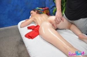 Horny girl wants her huge juicy hole fuc - XXX Dessert - Picture 6