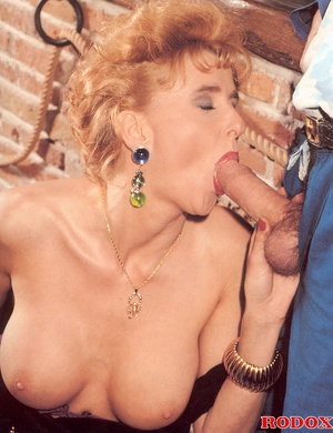 Very sexy retro girl loves hardcore anal - XXX Dessert - Picture 6