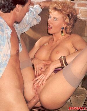 Very sexy retro girl loves hardcore anal - XXX Dessert - Picture 13