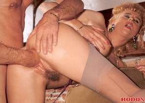 Very sexy retro girl loves hardcore anal - XXX Dessert - Picture 14