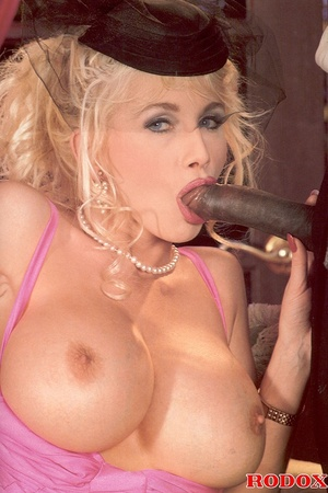 Retro blonde nailed by a large solid bla - XXX Dessert - Picture 7