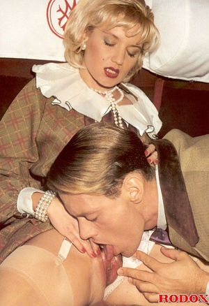 Hot and also sexy retro babe nailed in a - XXX Dessert - Picture 3