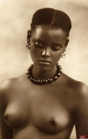 Vintage exotic beauties love posing nake - XXX Dessert - Picture 2