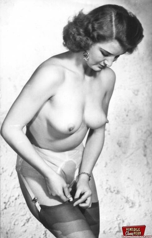 Pretty vintage naked professional models - XXX Dessert - Picture 9