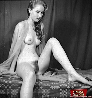Daring vintage chicks with hairy pussies - XXX Dessert - Picture 4