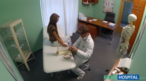Horny doctor adores licking his cute pat - XXX Dessert - Picture 4