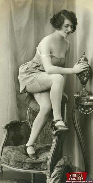 Vintage chicks in their pretty underwear - XXX Dessert - Picture 10