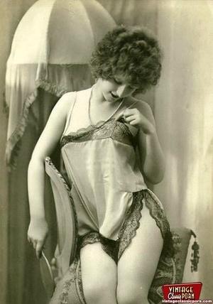 Vintage chicks in their pretty underwear - XXX Dessert - Picture 11