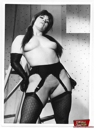 Very sexy vintage lingerie chicks posing - XXX Dessert - Picture 12