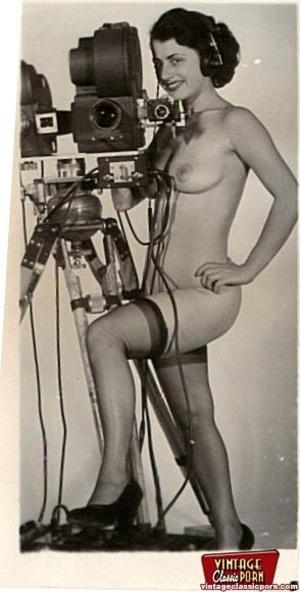 Very hot vintage girls wearing stockings - XXX Dessert - Picture 5