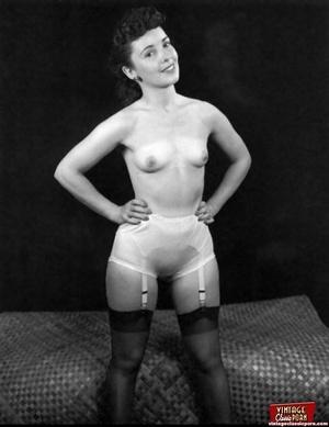 Very hot vintage girls wearing stockings - XXX Dessert - Picture 6