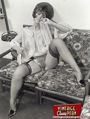Very hot vintage girls wearing stockings - XXX Dessert - Picture 7