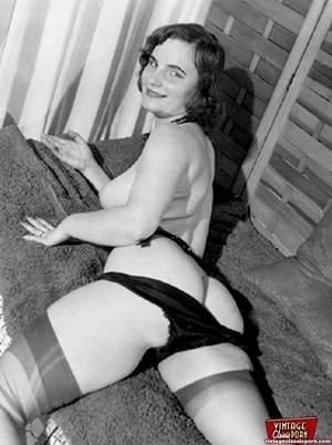 Very hot vintage girls wearing stockings - XXX Dessert - Picture 9
