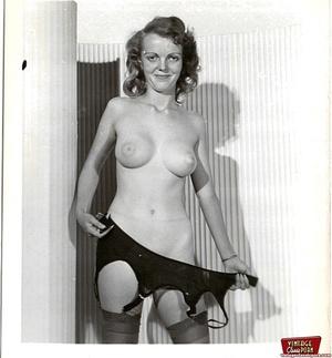 Very hot vintage girls wearing stockings - XXX Dessert - Picture 10