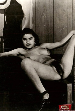 Vintage chicks with hairy pussies posing - XXX Dessert - Picture 1