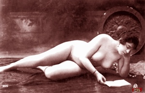 Very horny vintage naked french postcard - XXX Dessert - Picture 1