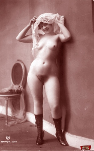 Very horny vintage naked french postcard - XXX Dessert - Picture 3
